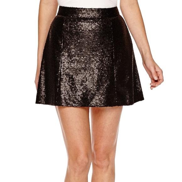 Decree Dresses & Skirts - NWT Decree Black Full Sequin Flare Mini Skirt